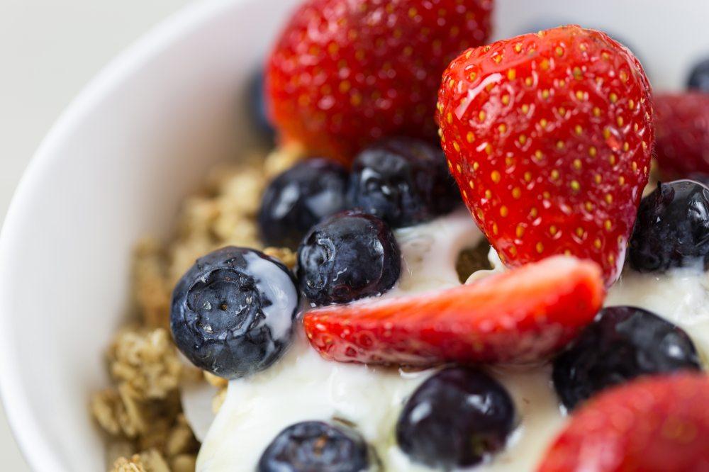 berries-berry-blueberries-566564.jpg