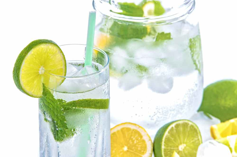 mineral-water-lime-ice-mint-158821